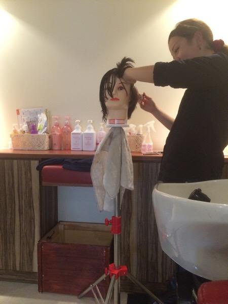 なんで美容師みんな狂ったように練習するのか